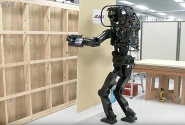 این ربات ساخت و ساز ژاپنی به راحتی قادر به انجام حرکات انسان است !