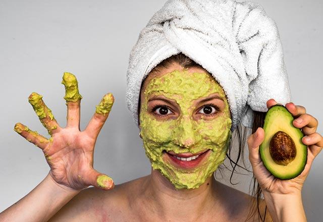 ماسک برای داشتن پوستی صاف وشفاف