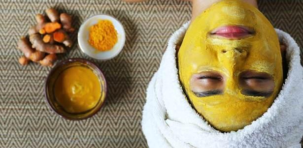 ماسک زردچوبه برای درمان آکنه