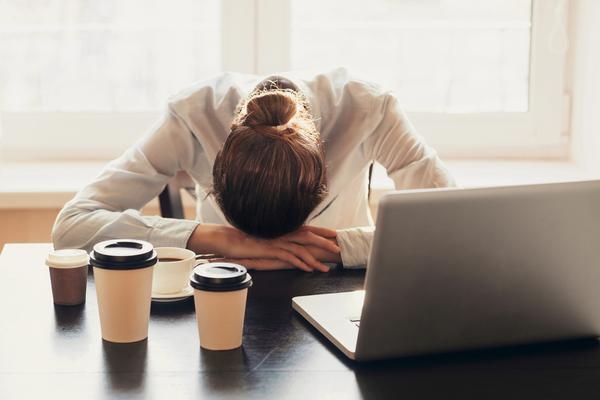 با 5 عادت شبانه که باعث کاهش خستگی می شوند آشنا شوید