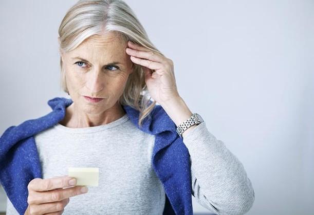 عادت هایی که باعث آلزایمر می شوند