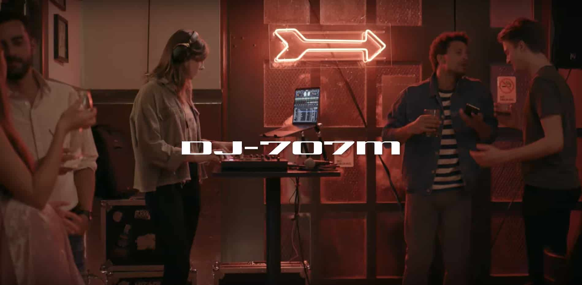 دی جی کنترلر رولند DJ-707M ؛ کنترلری حرفه ای برای موبایل دی جی ها !