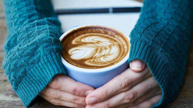 آیا نوشیدن قهوه با معده خالی مضر است ؟