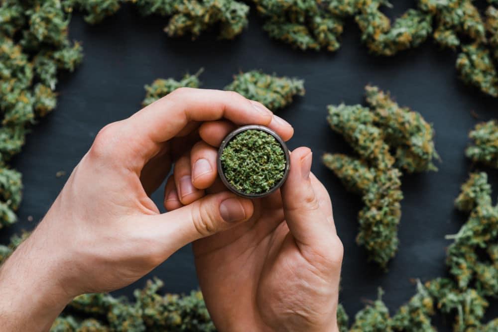 اثر ماریجوانا تا چه مدت در بدن می ماند؟ هرآنچه باید بدانید!