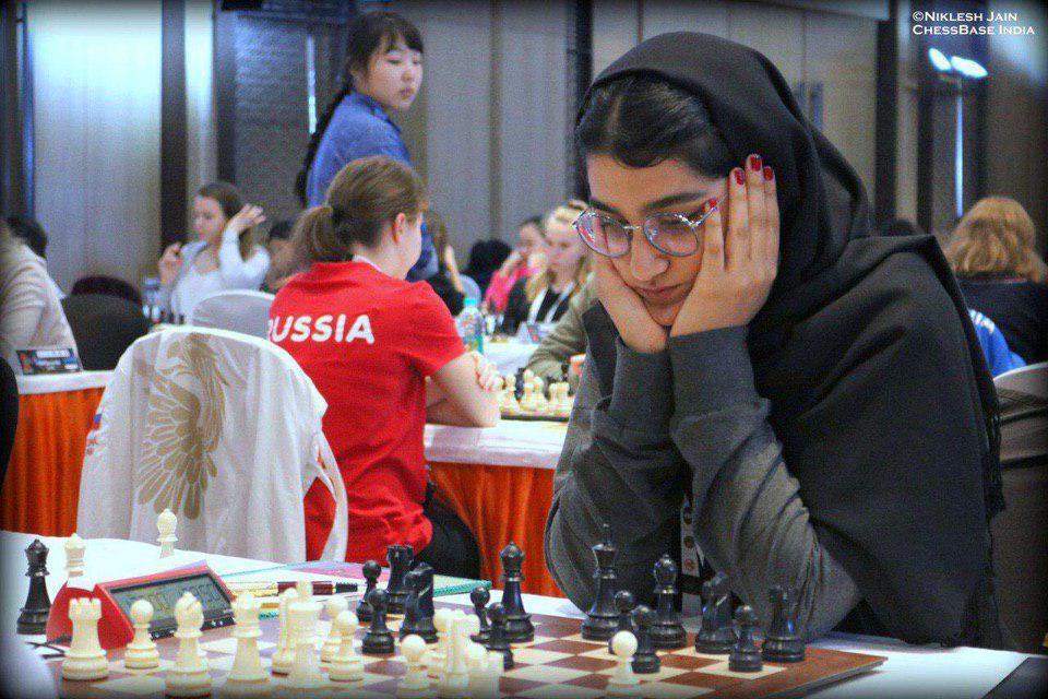 """""""مبینا علی نسب"""" قهرمان شطرنج زنان ایران"""