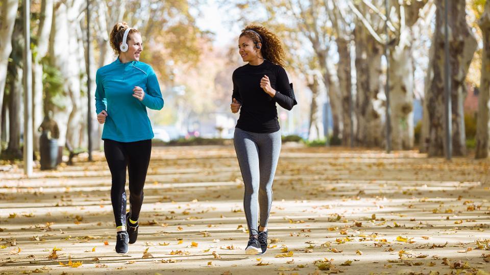 زنان کدام ورزش ها را بیش تر انجام می دهند ؟