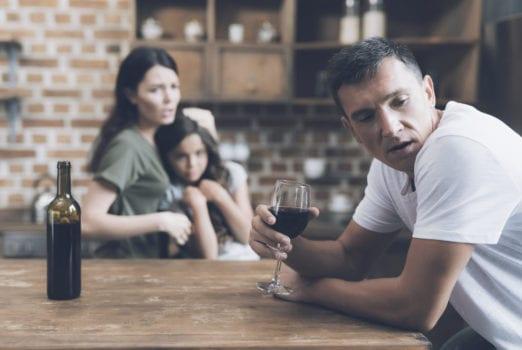 رفتارهای ناشی از نوشیدن الکل که روابط را خراب می کنند!