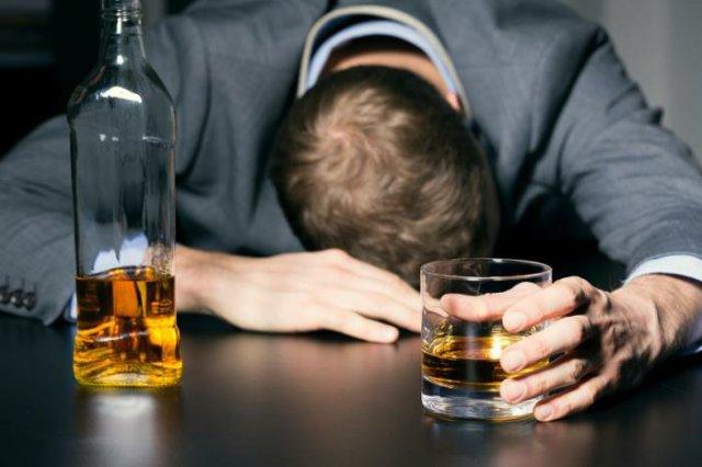 اثر الکل تا چه مدت در بدن باقی می ماند؟ هرآنچه باید بدانید!