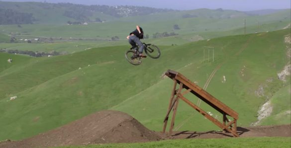 دوچرخه سواری در کوهستان ؛ ویدیویی زیبا از حرکات نمایشی Brandon Semenuk
