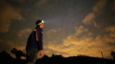 نگاه کردن به آسمان شب در قرنطینه