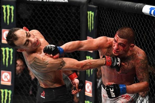 مبارزه تونی فرگوسن با آنتونی پتیس در UFC 229 را بصورت کامل با کیفیت HD تماشا کنید!!!