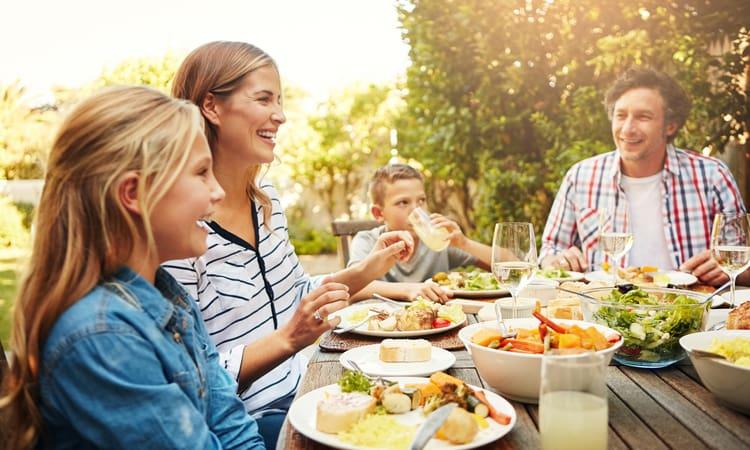 7 کار که نباید بعد از غذا خوردن انجام دهید!