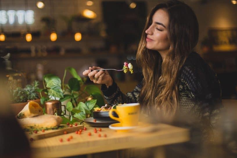 تاثیر رژیم غذایی بر ذهن و سلامت روان ؛ بگو چه می خوری تا بگویم که هستی!