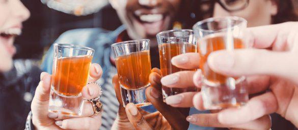 دلایل نوشیدن الکل