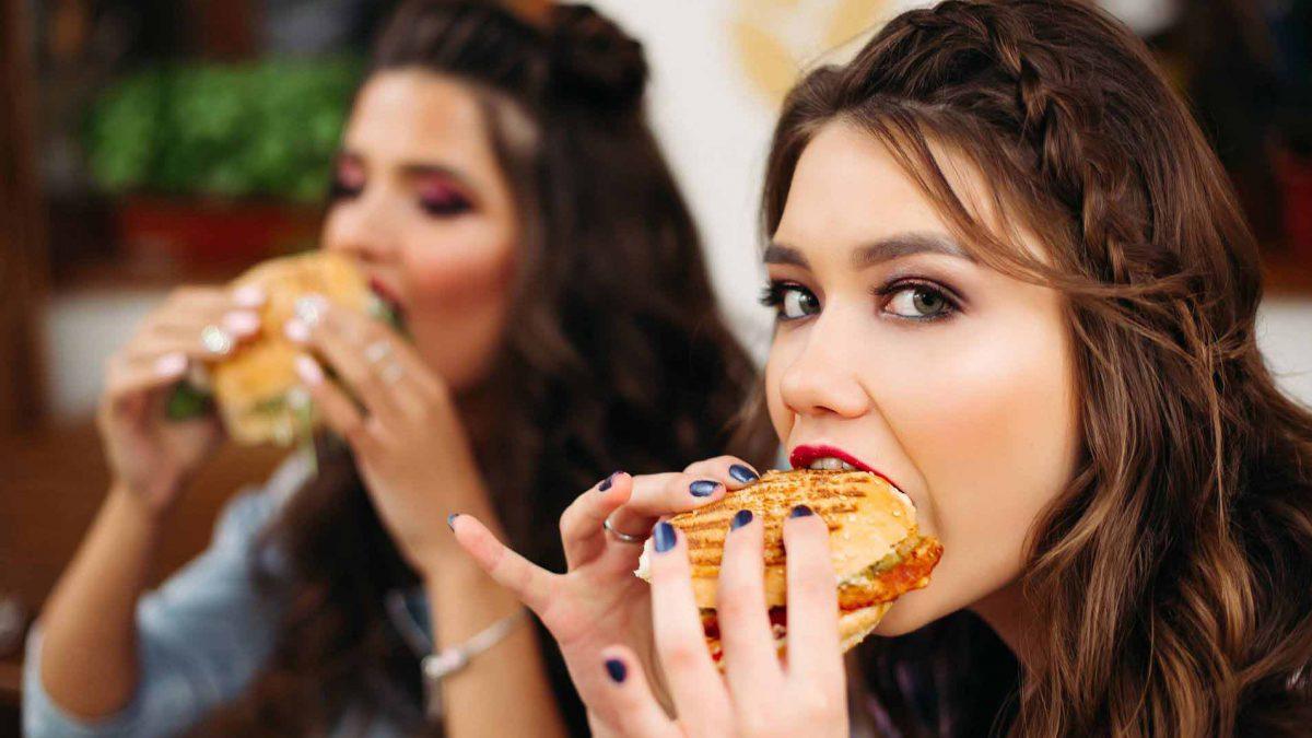 تاثیر غذای ناسالم بر مغز نوجوانان ؛ چرا تغذیه دوران نوجوانی مهم است؟